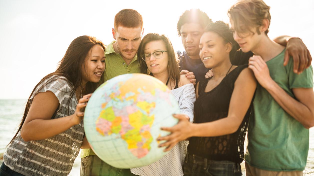 Red-Mundial-de-Oracion-del-Papa-internacional-jovenes
